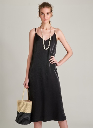 NGSTYLE Metalik Kumaşlı Askılı Elbise Siyah